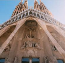 Tours, January 12, 2021, 01/12/2021, Barcelona: Sagrada Familia - The Church of Antoni Gaudi Live (virtual)