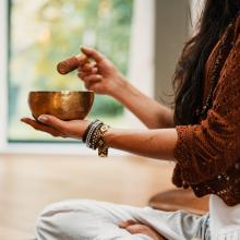 Workshops, May 25, 2021, 05/25/2021, Lunchtime Sound Healing Meditation (Zoom)