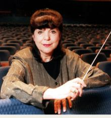 Discussions, October 02, 2021, 10/02/2021, Highly-Acclaimed Conductor Talks About Opera and Her Career (online)